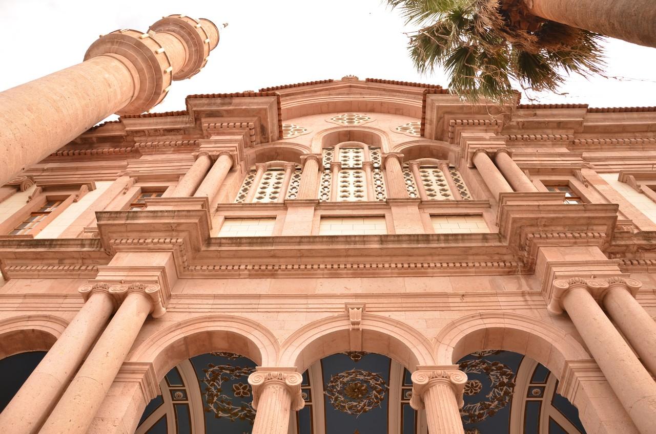 Türkiye'de Cami ve Kilise Karşılaştırması (Araştırma)