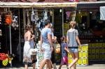 Cunda Çarşısı ve Dükkanlar