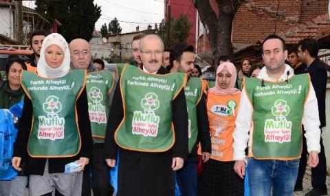 Belediye Ba�kan� Ve Ralli �ampiyonu Beraber Ambalaj At��� Toplad�