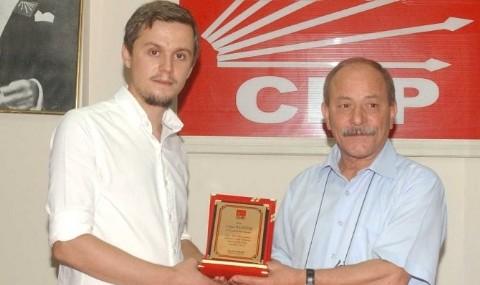 Bal�kesir CHP Gen�lik Kollar� Ba�kan� �stifa Etti