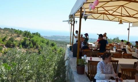 Tatilciler, Kaz Da�lar�ndaki Balkonlara �lgi G�steriyor