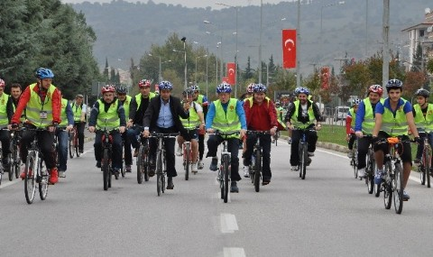 Bal�kesir�de Bisiklet Turu