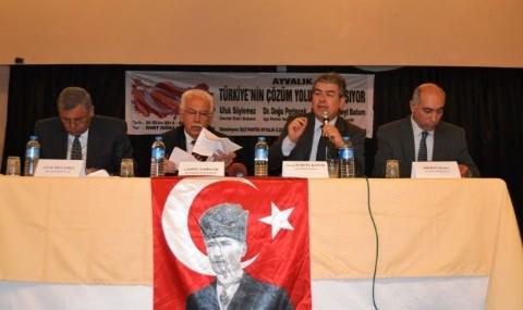 ���i Partisi�nden 'Ayval�k T�rkiye�nin Sorunlar�n� Tart���yor' Paneli
