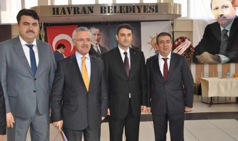 Havran Ak Parti �l�e Ba�kan� �nder G�ven Tazeledi