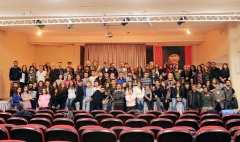 Burhaniyeli Tiyatrocular Festivale Haz�rlan�yor