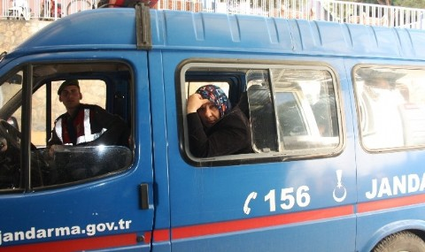 Ayval�k�ta 10 Afgan M�lteci Yakaland�