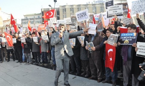 Bal�kesir�de Balonlu Protesto