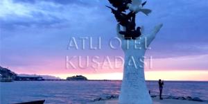 Atl� Otel Ku�adas�