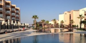 Ku�adas� Golf Resort Otel