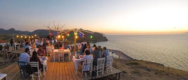 Gökçeda Deniz manzaralı restaurantlar